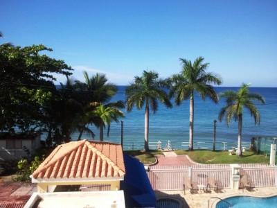 Estela del mar frente playa for Casas con piscina para alquilar en puerto rico
