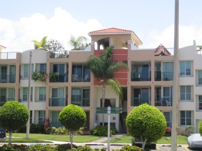 Oceania for Casas con piscina para alquilar en puerto rico