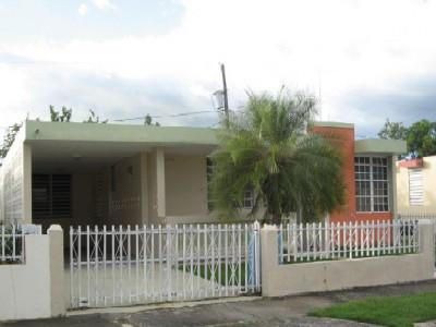 Urbanizacion brisas de anasco for Casas con piscina para alquilar en puerto rico