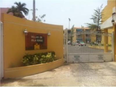 Villas de isla verde for Casas con piscina para alquilar en puerto rico