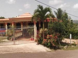casas en venta o alquiler en Lares